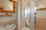 Koupelna pokoj 1